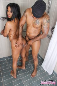 Yasmine & Soldier Boi Play In The Shower!