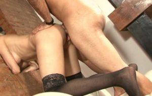 Sexy blonde Latina tranny takes it up the butt – Latin-Hot